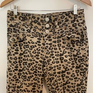 Almost Famous Mid Rise Skinny Leopard Jeans 11